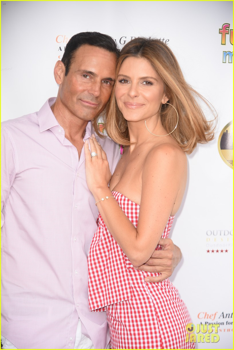maria menounos gets support from hubby keven undergaro at social life mag celebration 034103489