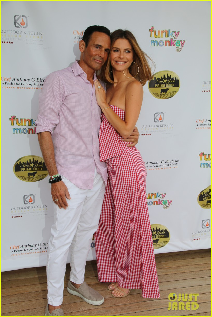 maria menounos gets support from hubby keven undergaro at social life mag celebration 074103493