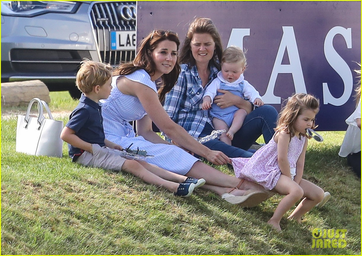 kate middleton observer polo 084100759
