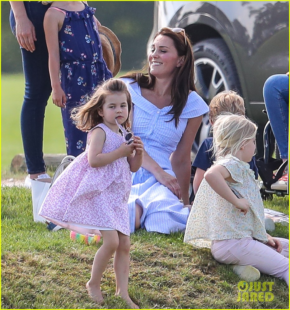 kate middleton observer polo 284100779