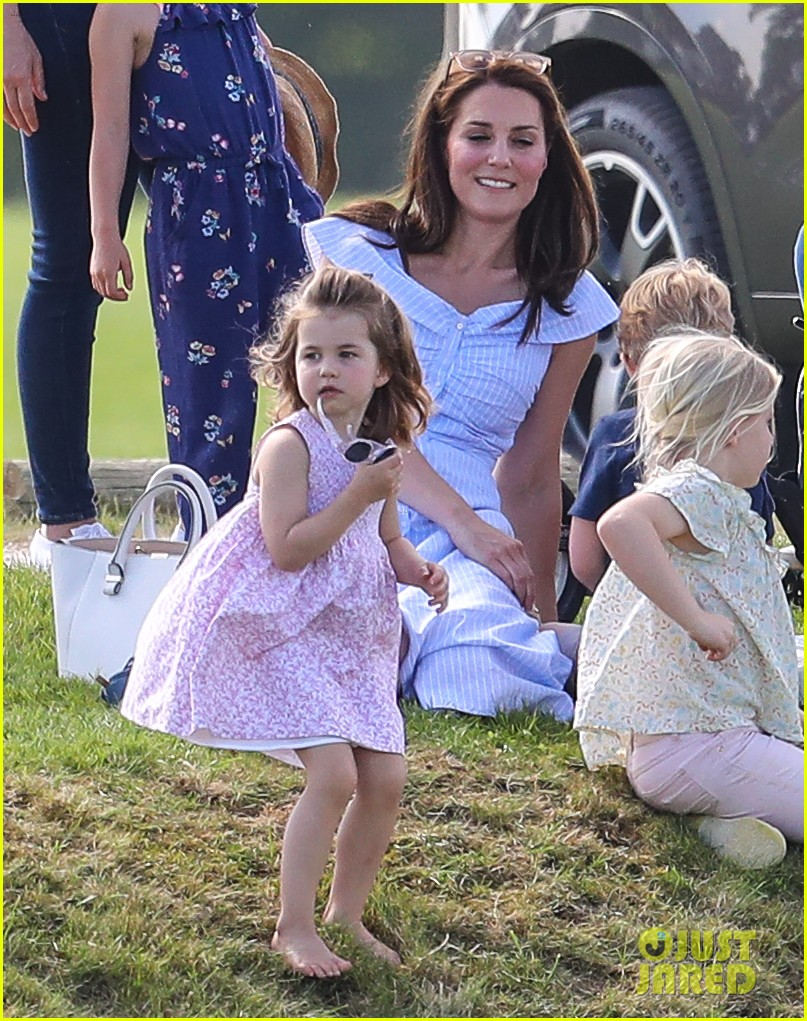 kate middleton observer polo 304100781