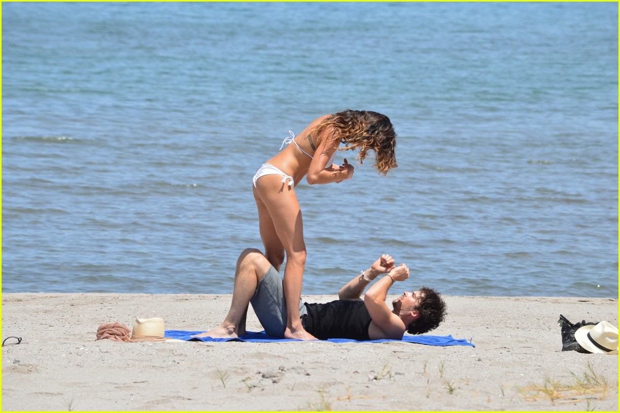 nikki reed ian somerhalder vacation photos 024095673