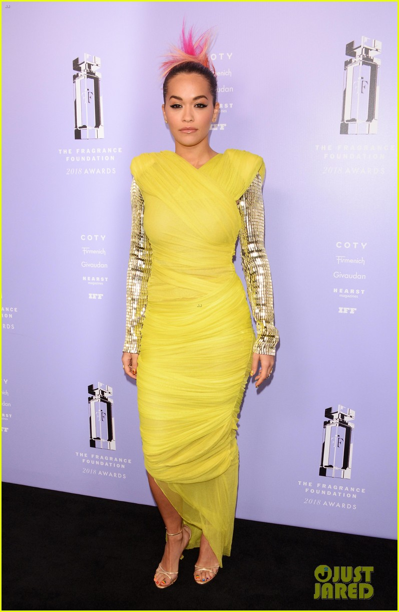 rita ora chanel iman fragrance foundation awards 234100517