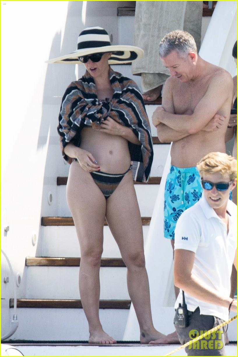 Full Size Van >> Katy Perry Hits the Beach in a Bikini in Spain!: Photo ...