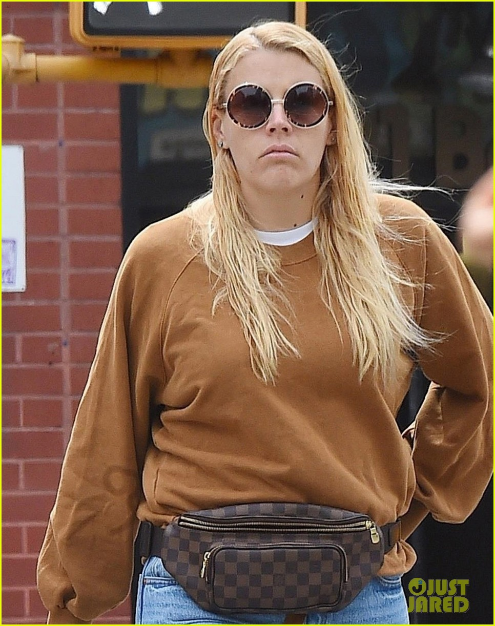 busy philipps marc silverstein nyc photos 044100588