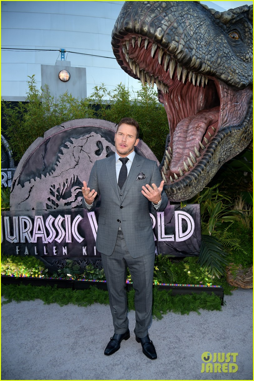 chris pratt bryce dallas howard jurassic world fallen kingdom premiere 194100540