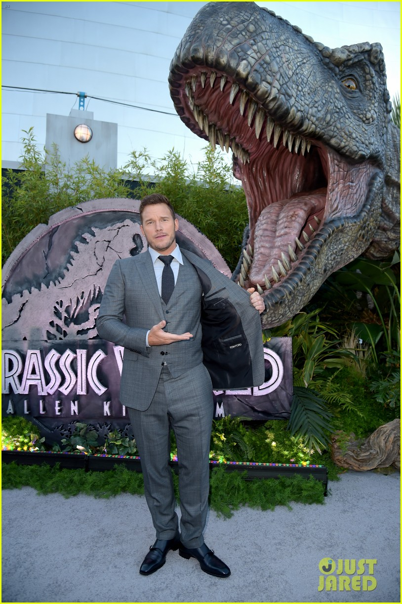 chris pratt bryce dallas howard jurassic world fallen kingdom premiere 234100544