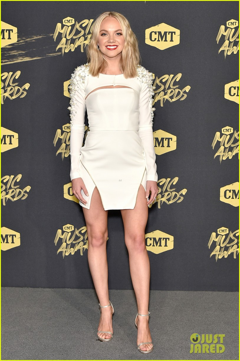 Danielle Bradbery Pictures >> Mason Ramsey Joins Lennon & Maisy Stella at CMT Music Awards 2018: Photo 4096493 | 2018 CMT ...