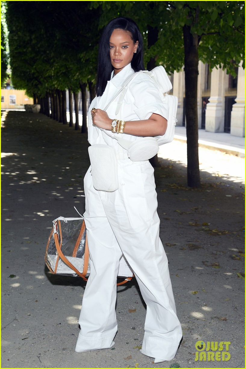 rihanna louis vuitton show 054105308