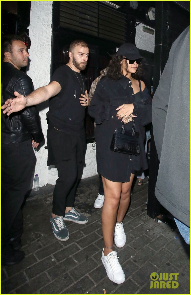 rihanna nightclub london 014109405
