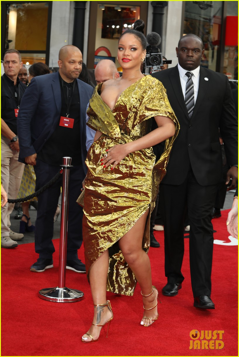 rihanna sparkles in gold at oceans 8 london premiere 054100915