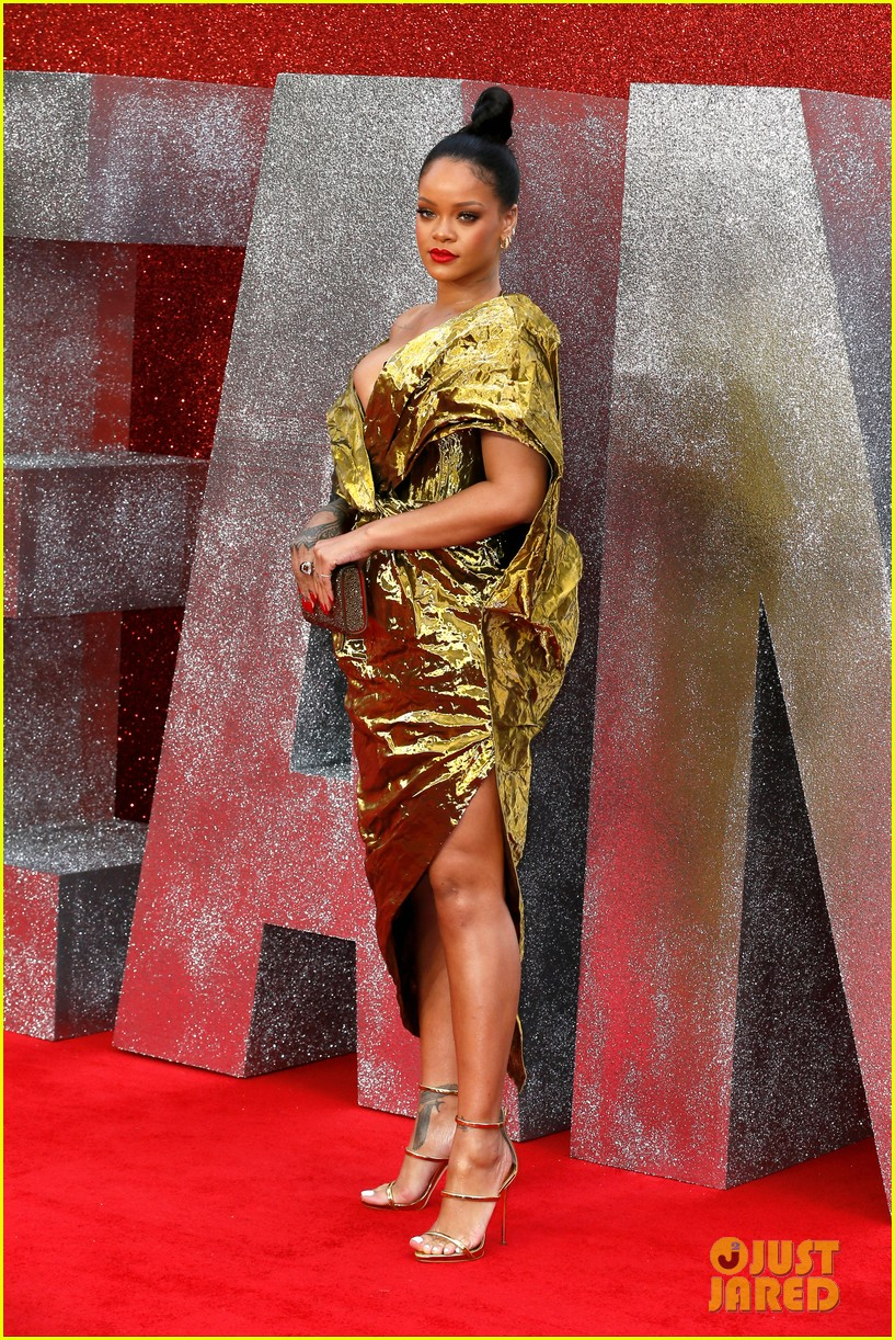 rihanna sparkles in gold at oceans 8 london premiere 144100924
