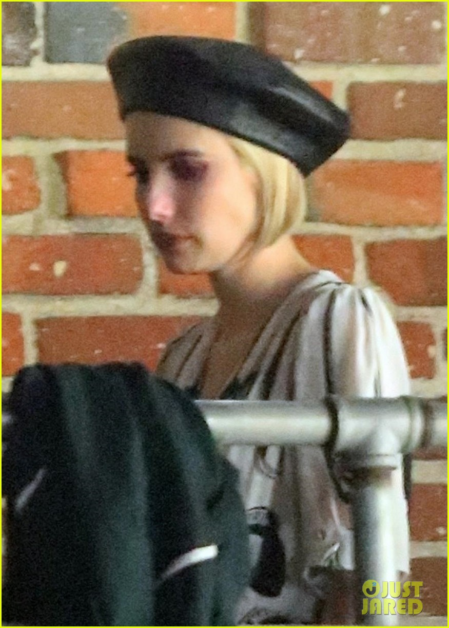 emma roberts hangs out with kristen stewart stella maxwell in hollywood 074098463