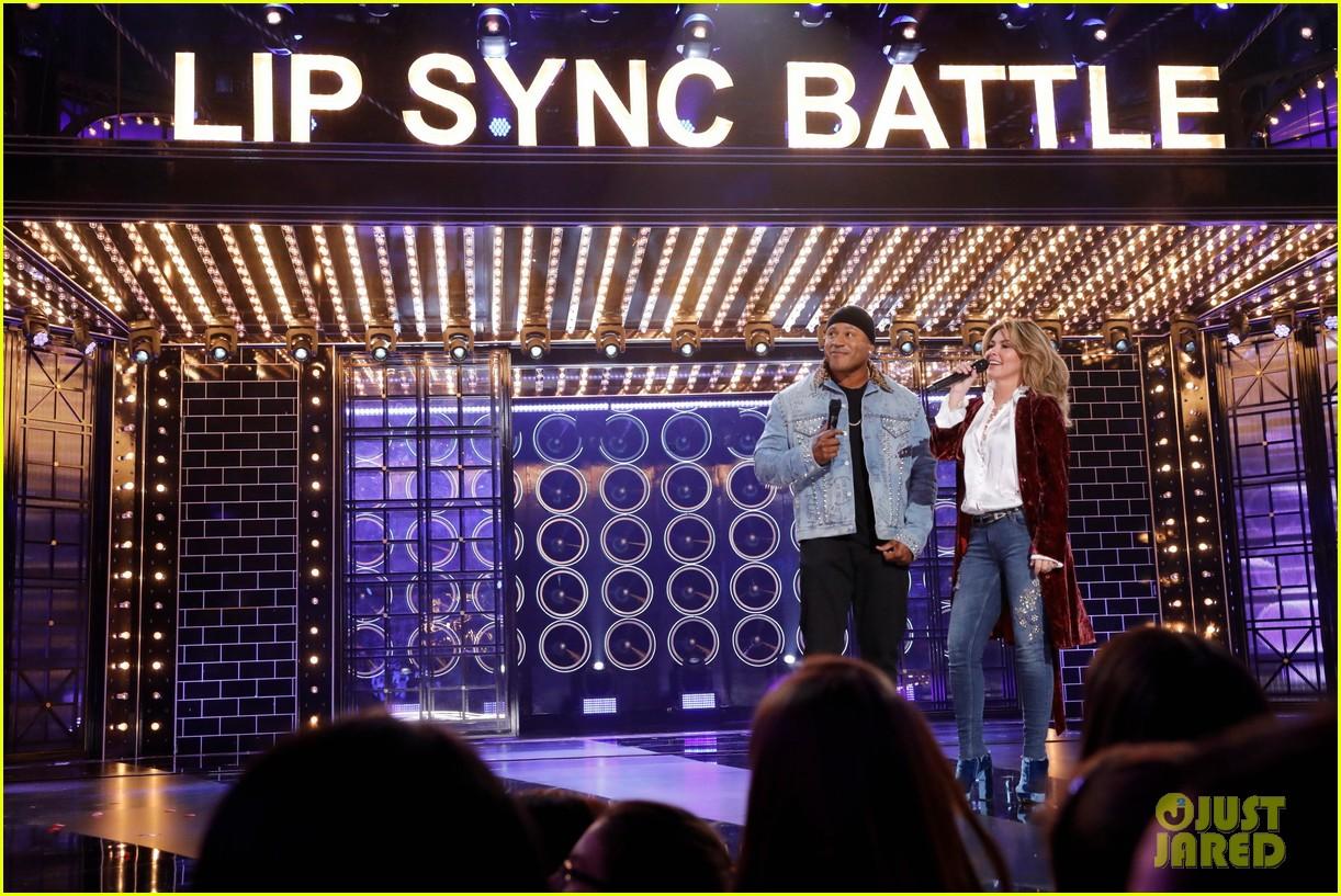 nicole scherzinger performs man i feel like a woman for shania twain lip sync battle tribute 014104932