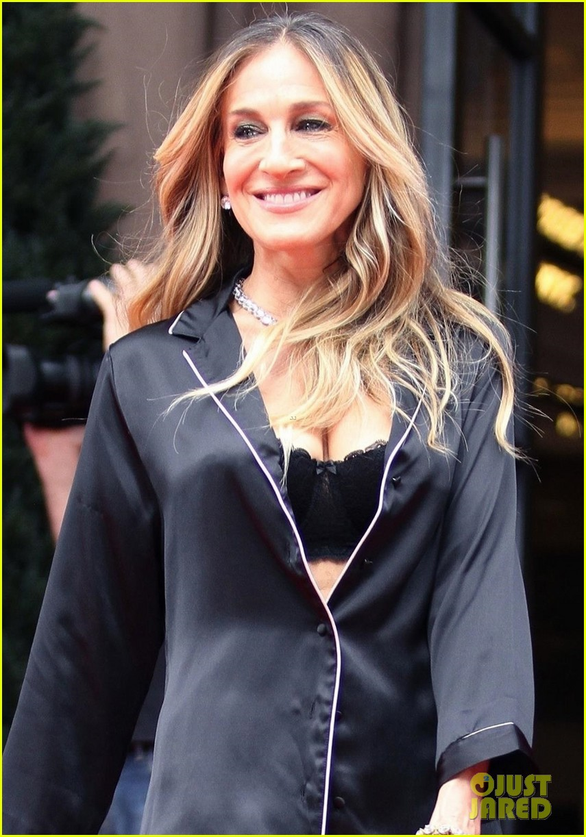 sarah jessica parker goes chic in silk pajamas in nyc 044097131