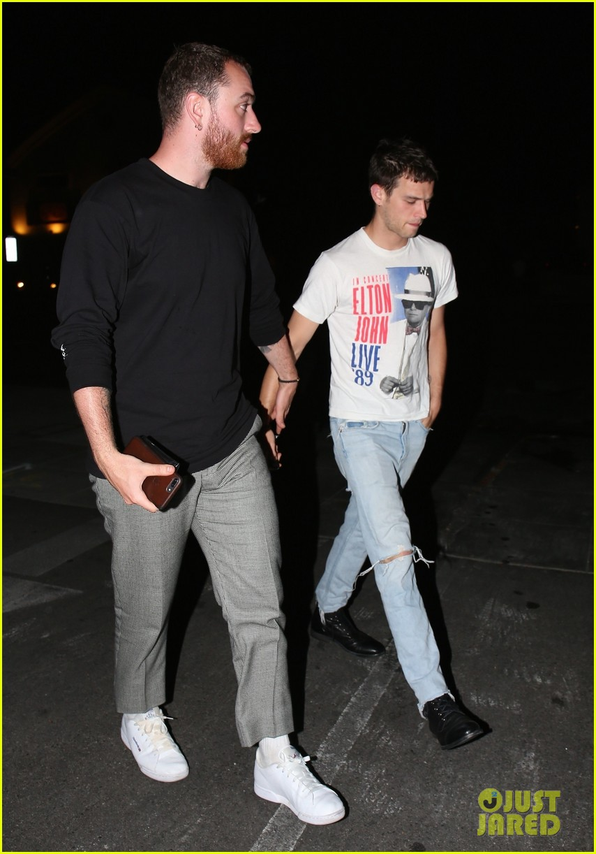 sam smith brandon flynn hold hands 094095582