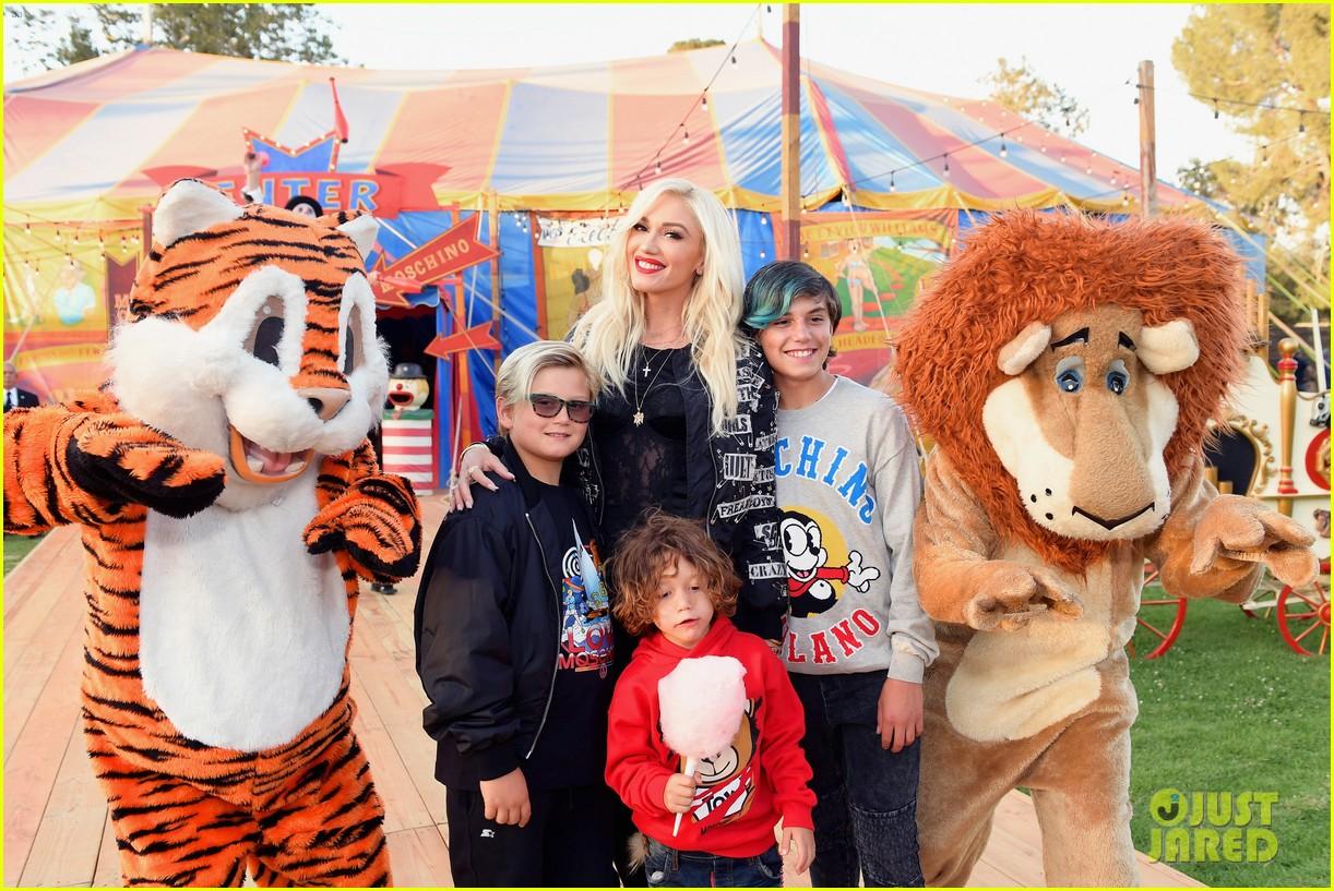 Gwen Stefani Brings Her Three Kids To Moschino Fashion
