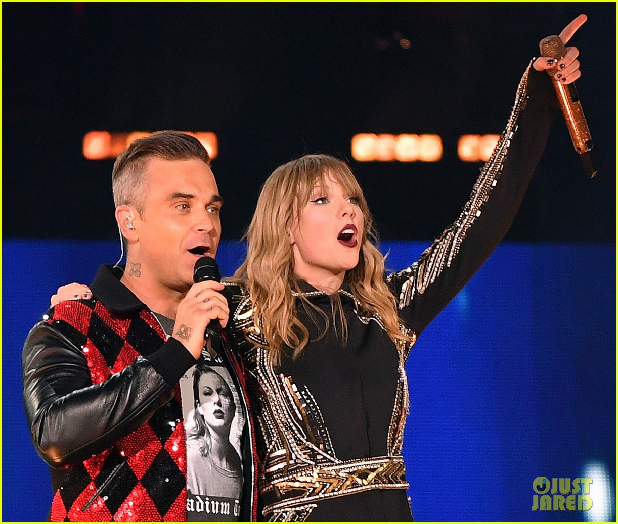 taylor swift brings special guest robbie williams on stage at reputation show in london 054106790