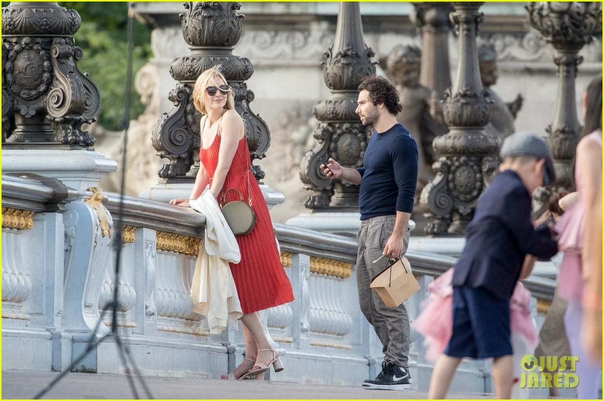 aidan turner caitlin fitzgerald paris photos 524104576