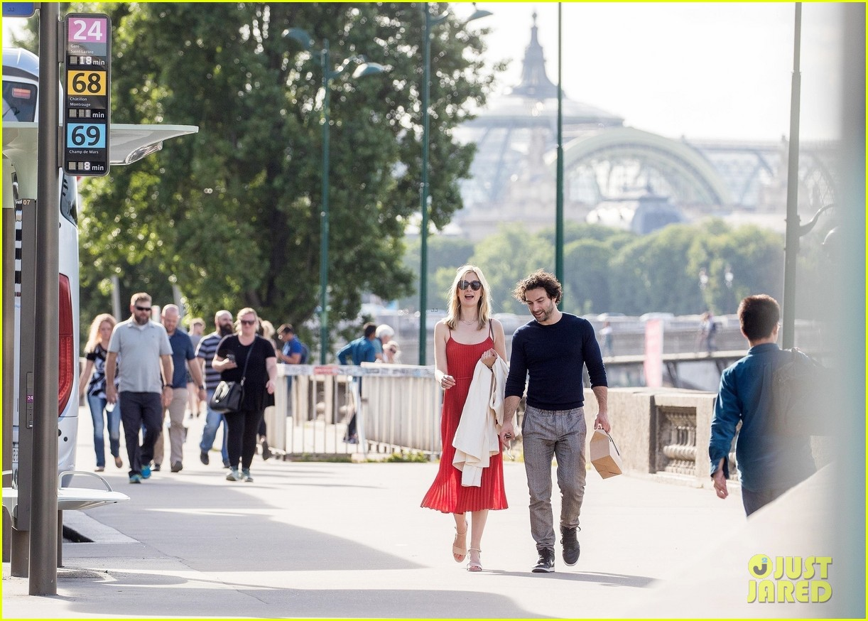 aidan turner caitlin fitzgerald paris photos 744104598