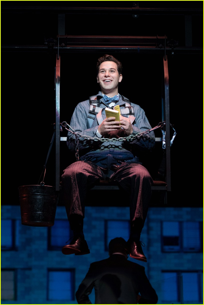 michael urie becki newton how to succeed 05