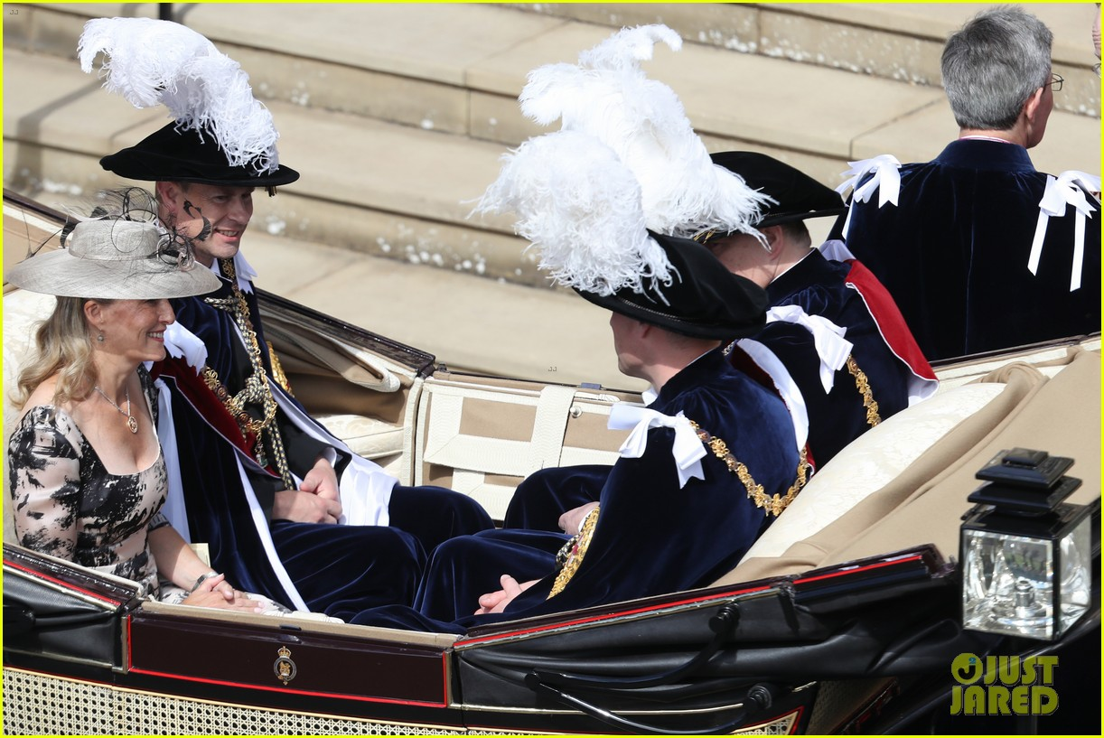prince william joins prince charles at order of the garter parade 054103508