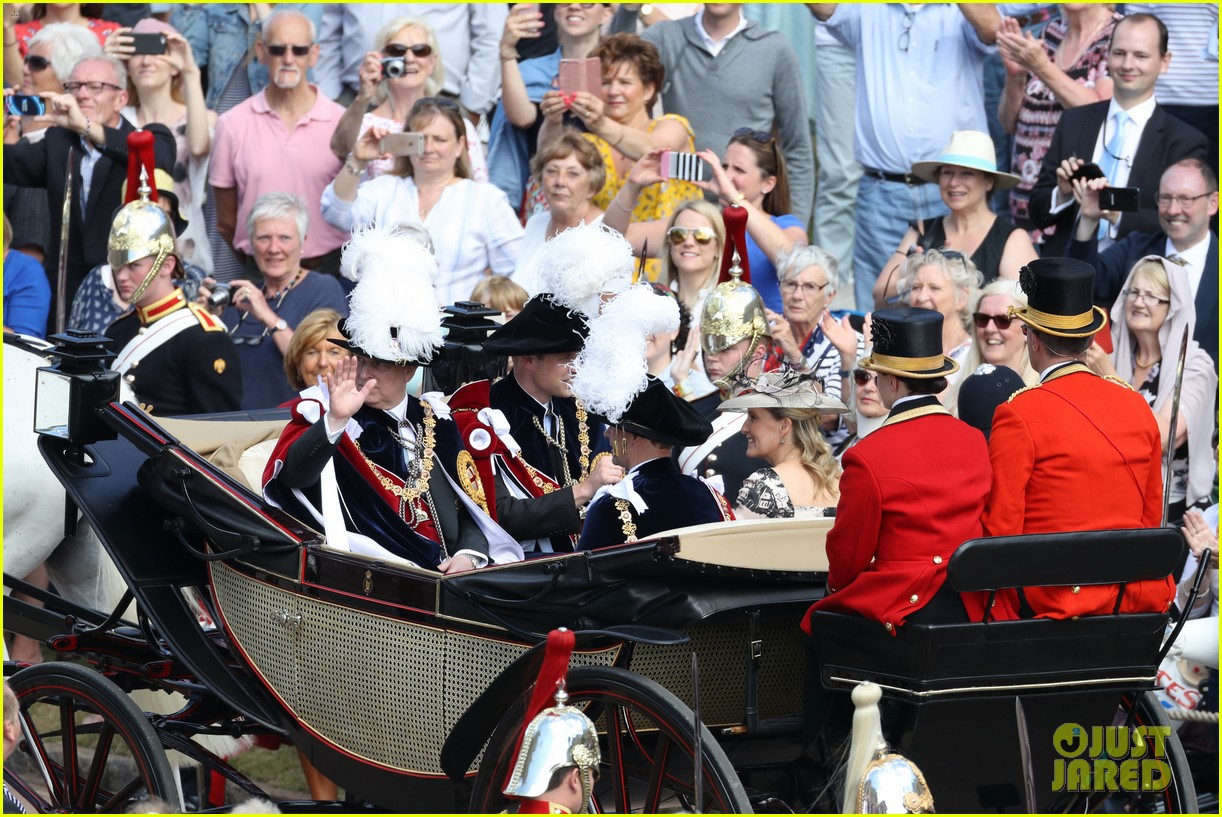 prince william joins prince charles at order of the garter parade 074103510