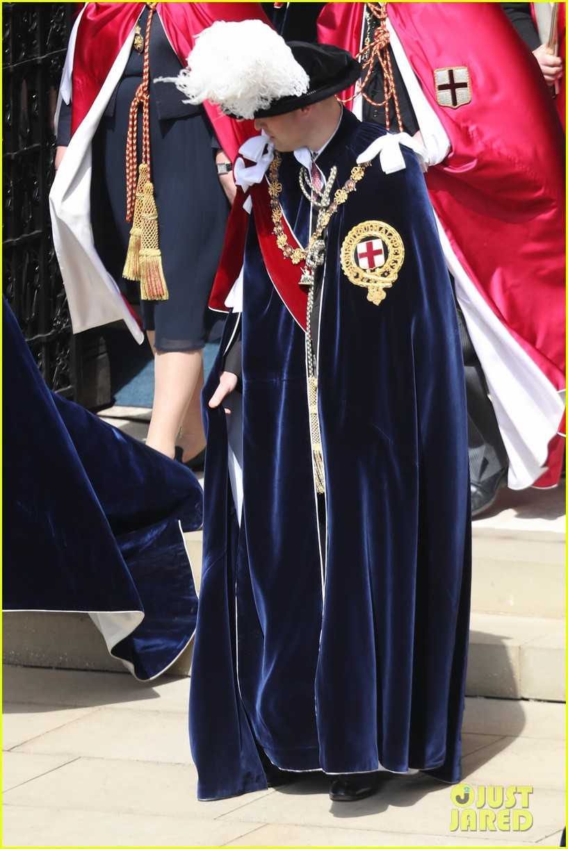 prince william joins prince charles at order of the garter parade 094103512