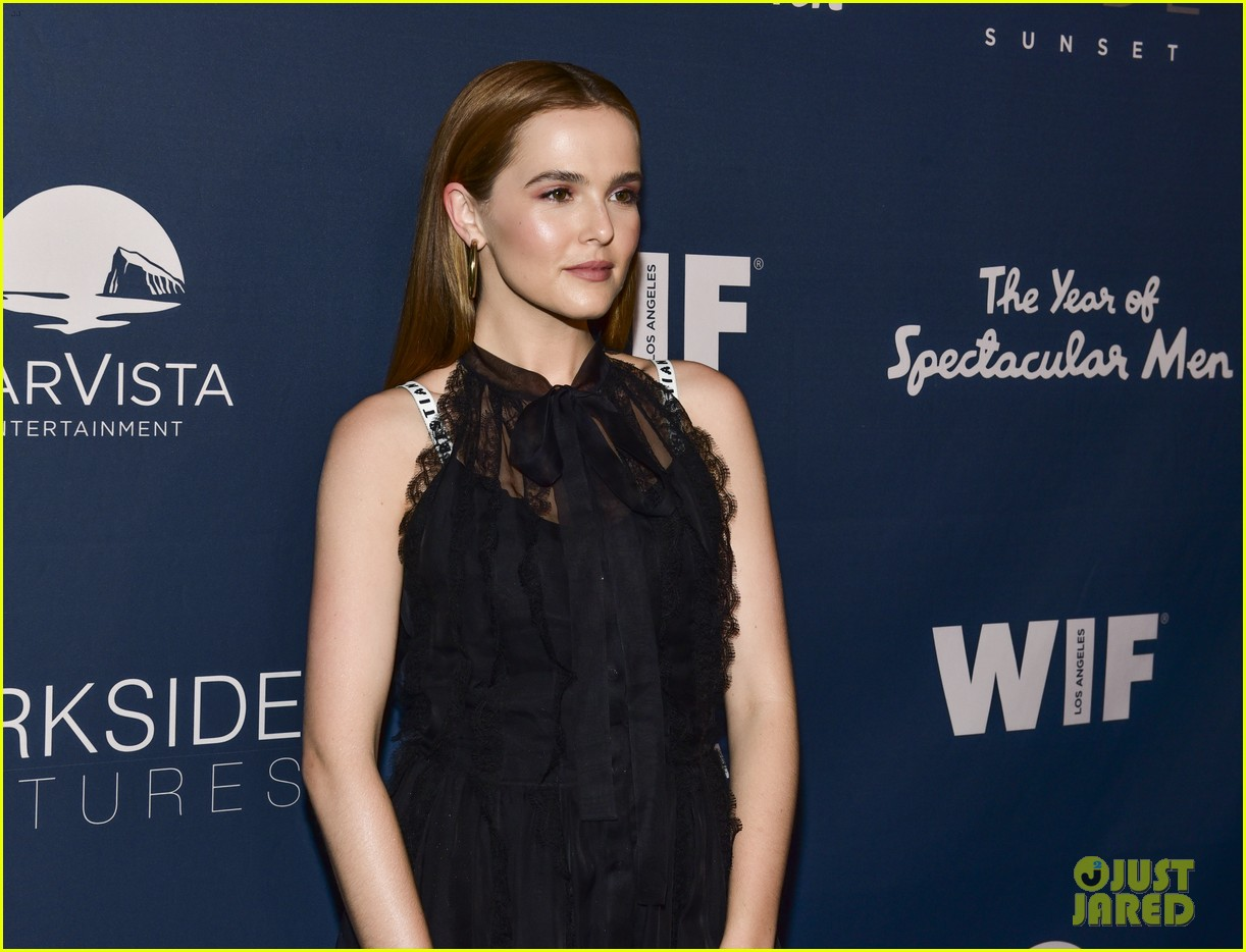 zoey deutch year of spectacular men june 2018 094097115