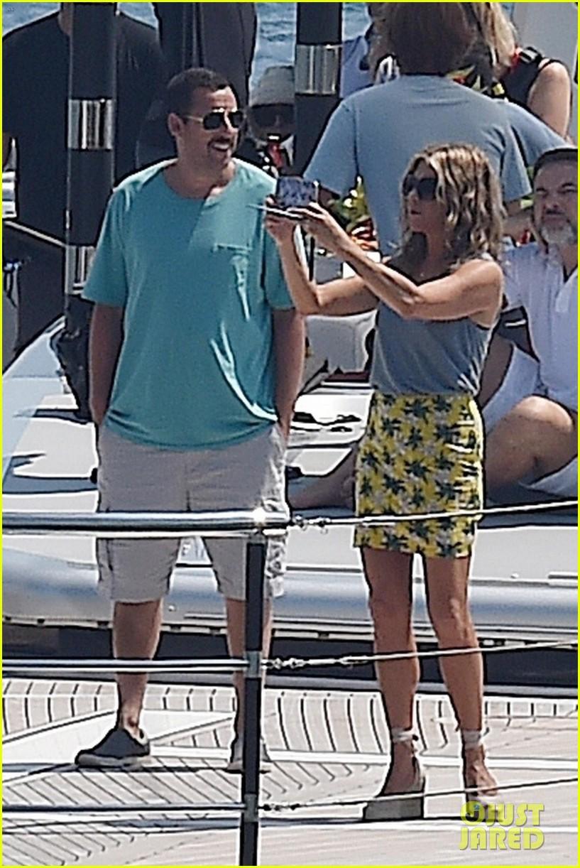 Jennifer Aniston & Adam Sandler Film 'Murder Mystery' on a