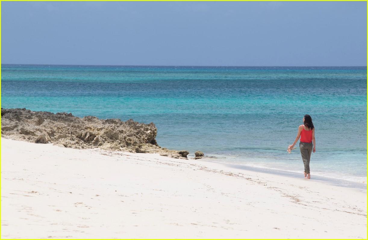 the bachelorette becca kufrin beach garrett blake 114112086