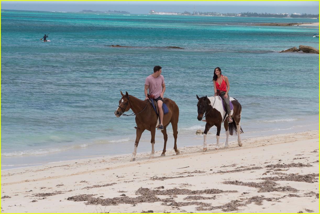 the bachelorette becca kufrin beach garrett blake 204112095
