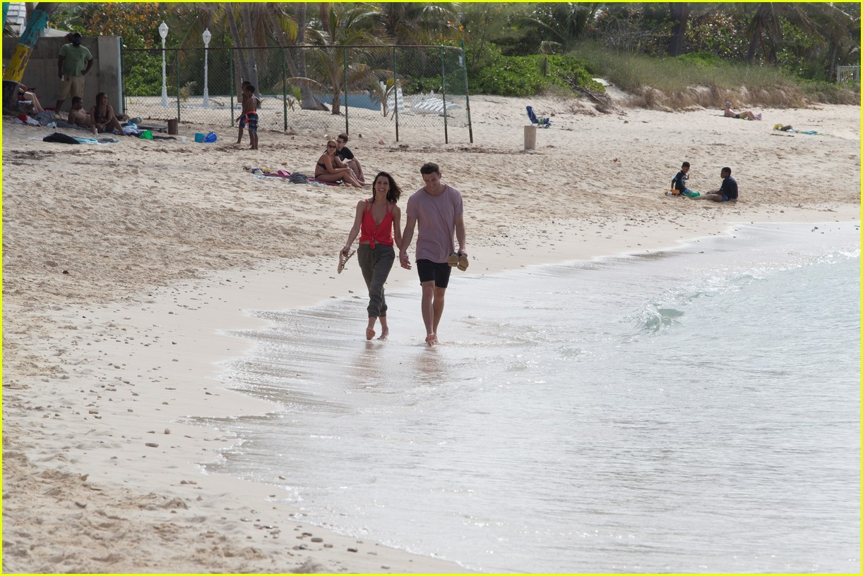 the bachelorette becca kufrin beach garrett blake 214112096