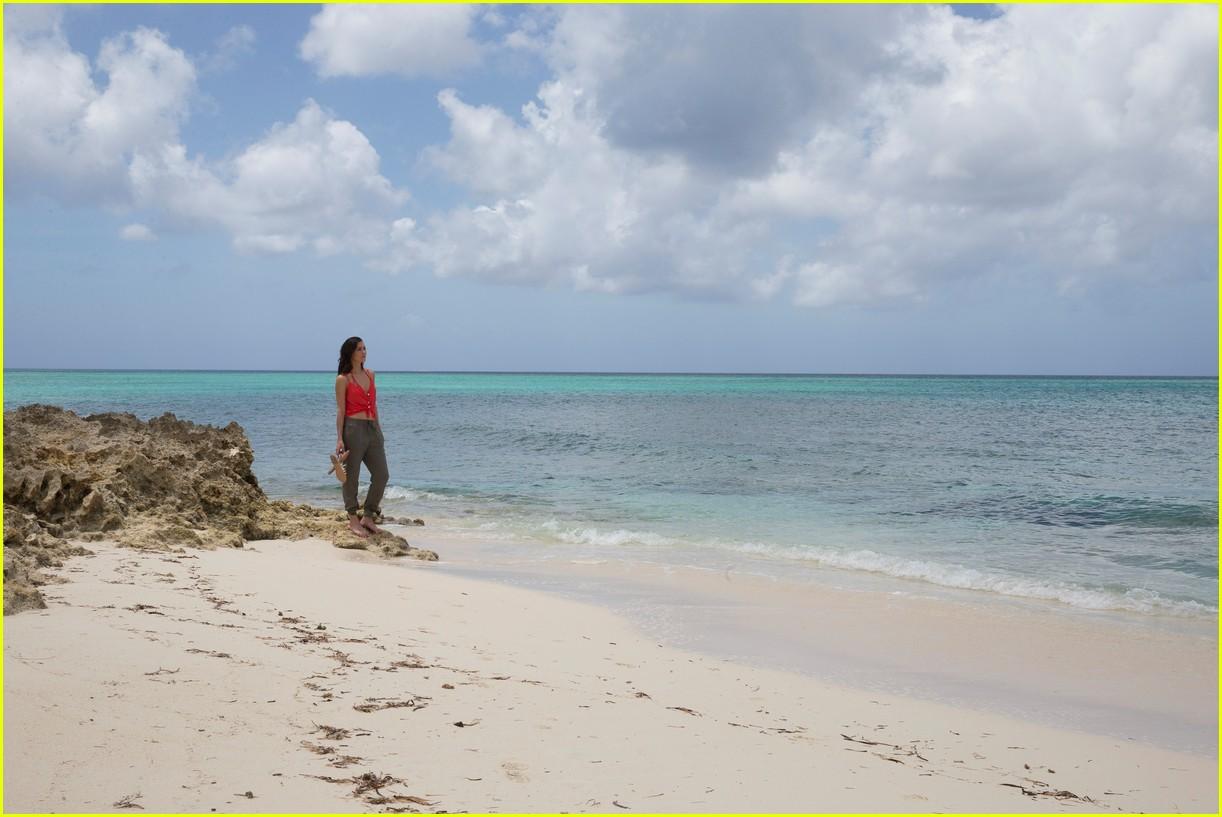the bachelorette becca kufrin beach garrett blake 264112101