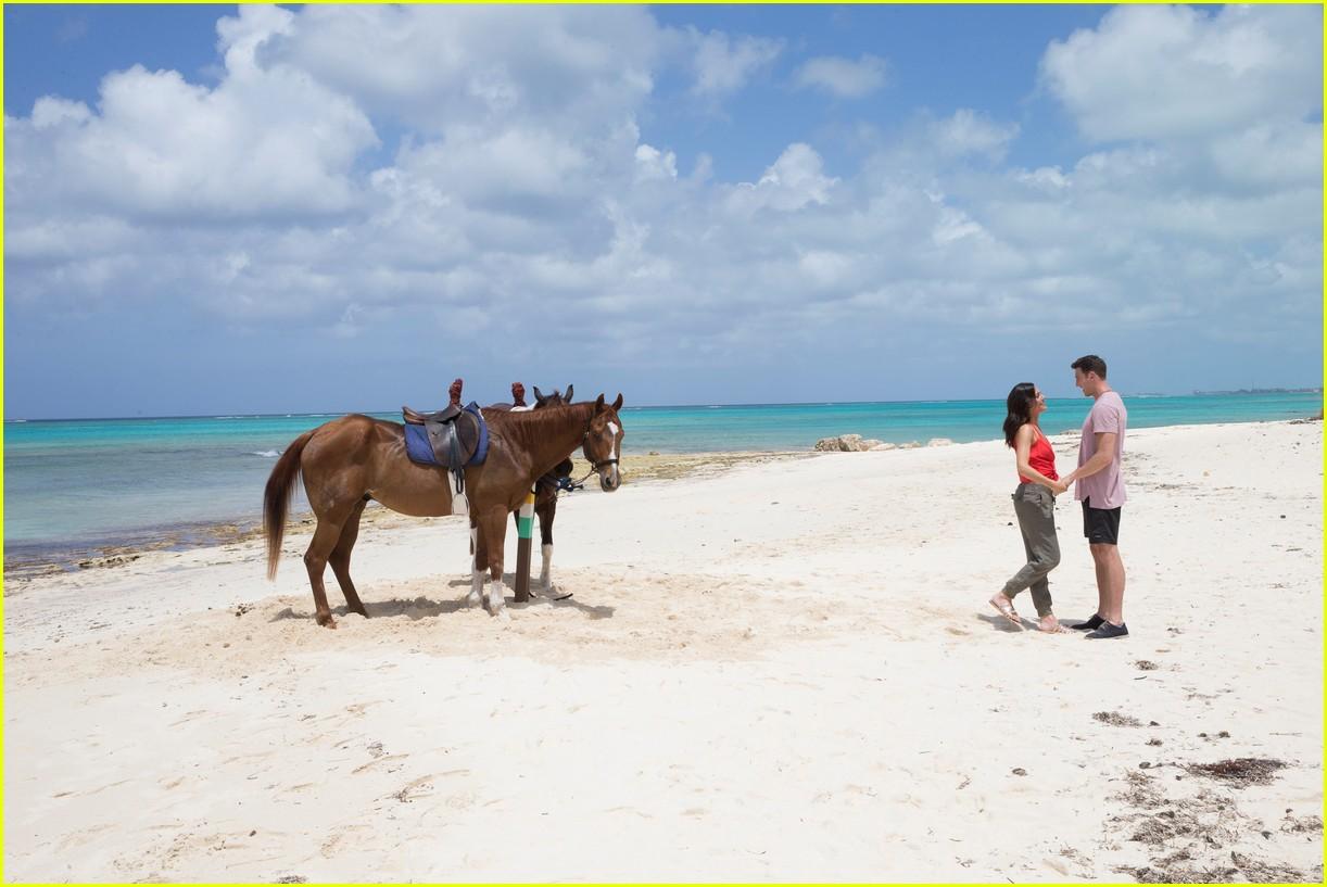 the bachelorette becca kufrin beach garrett blake 274112102