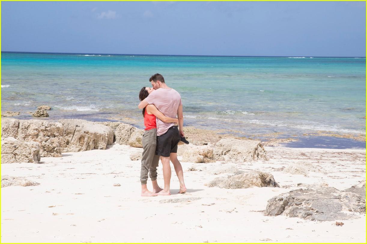 the bachelorette becca kufrin beach garrett blake 314112106