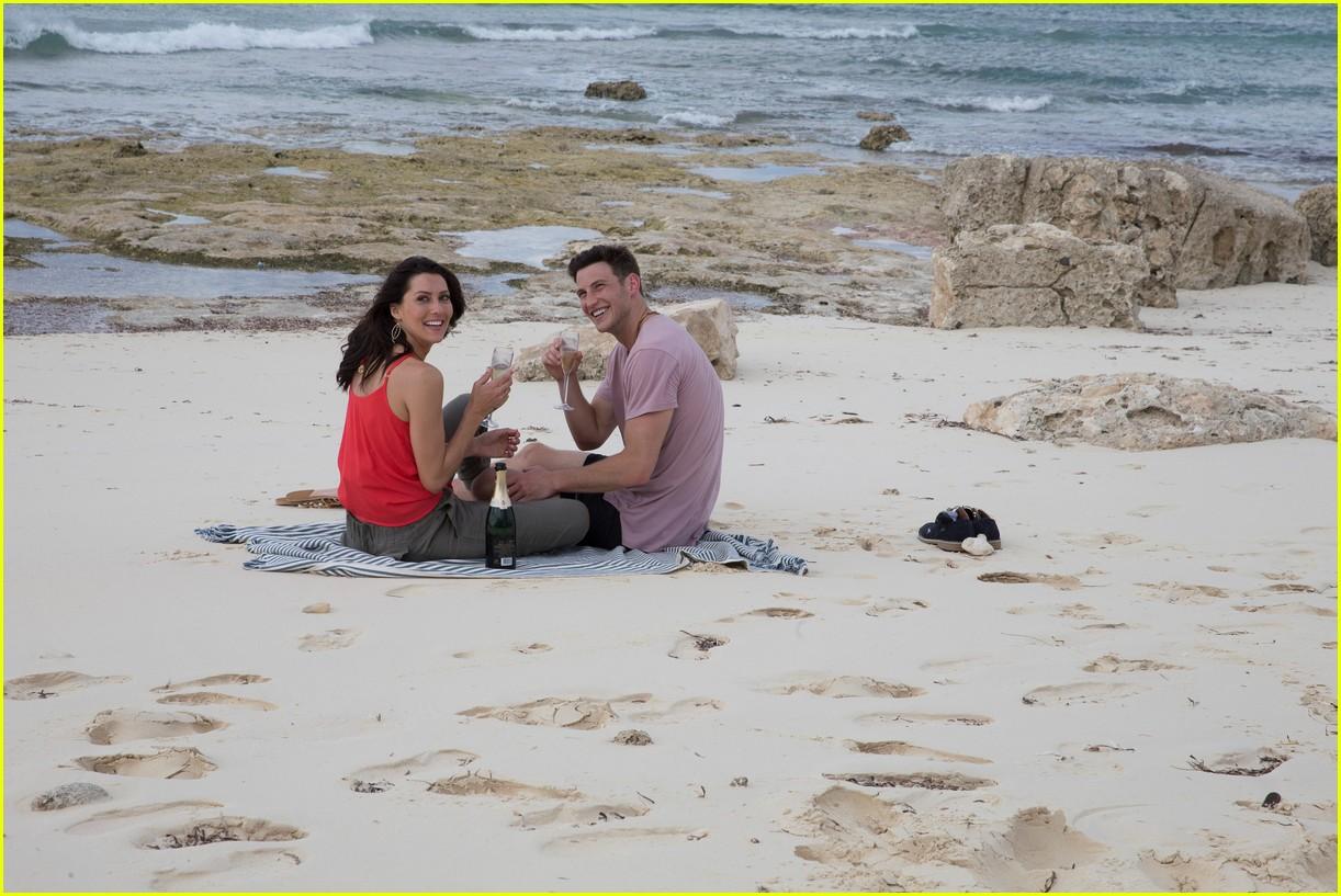 the bachelorette becca kufrin beach garrett blake 364112111