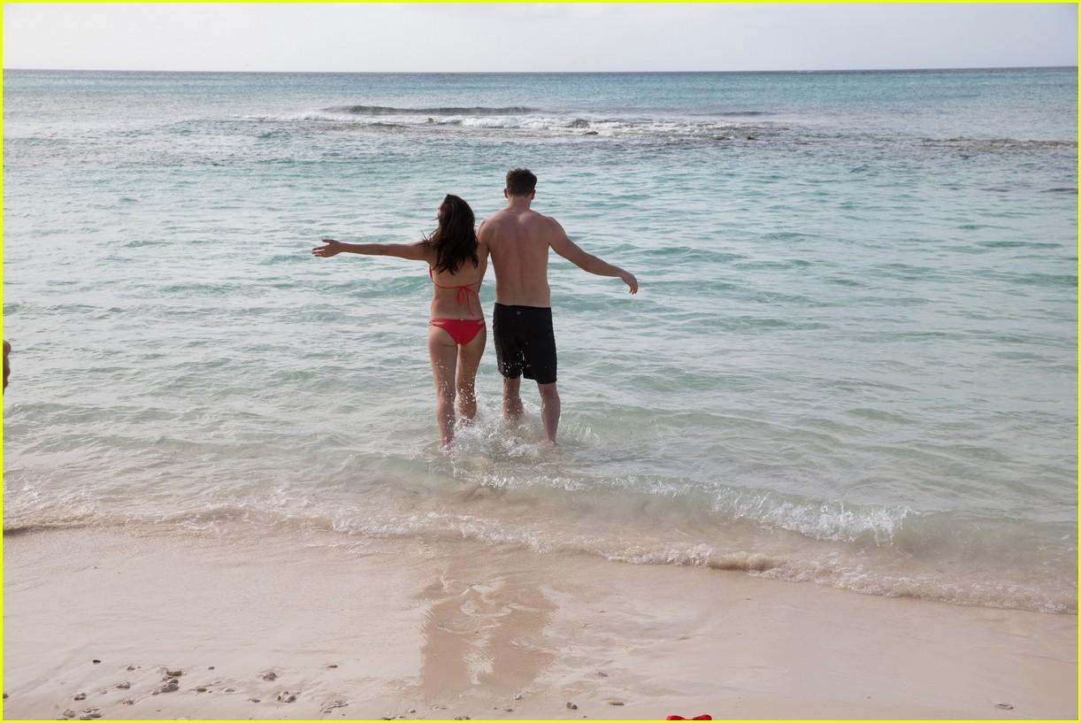 the bachelorette becca kufrin beach garrett blake 434112118
