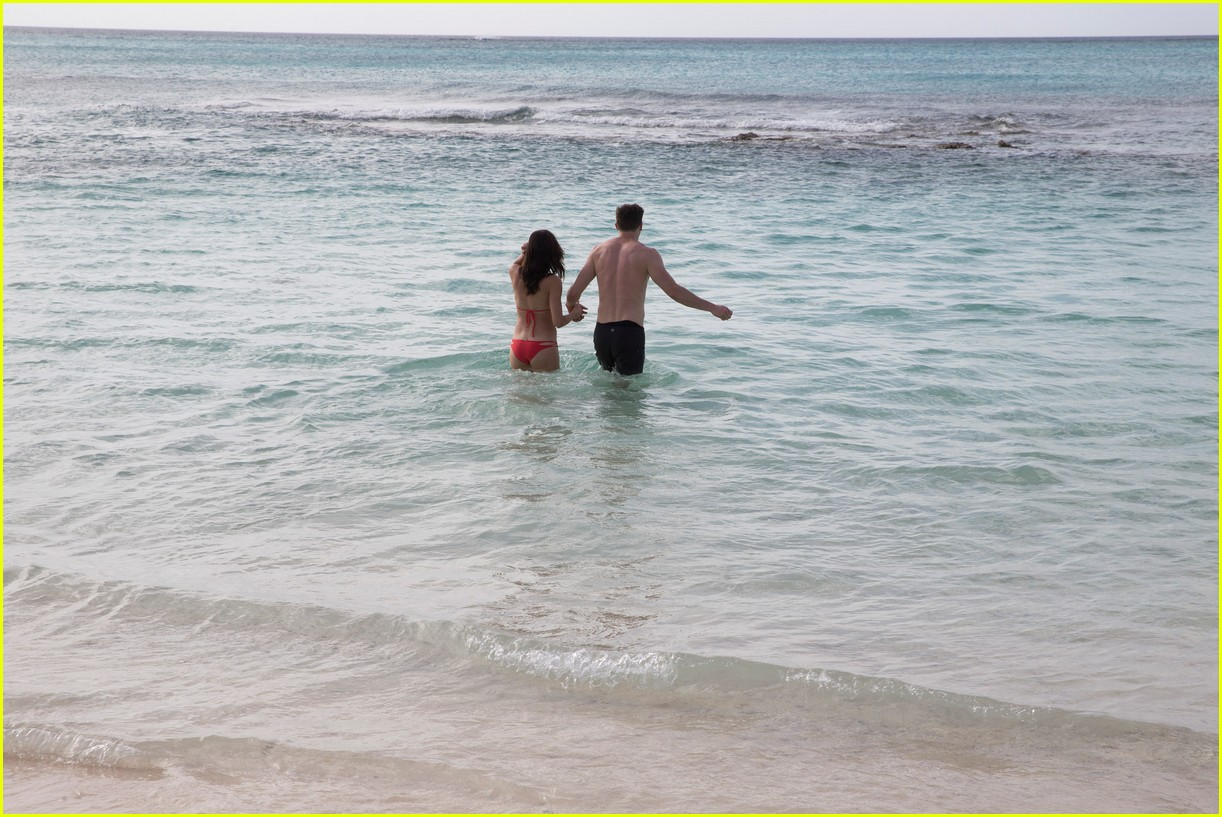 the bachelorette becca kufrin beach garrett blake 444112119