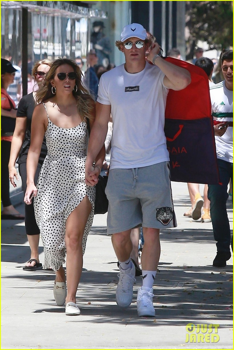 chloe bennet logan paul hold hands 244113660