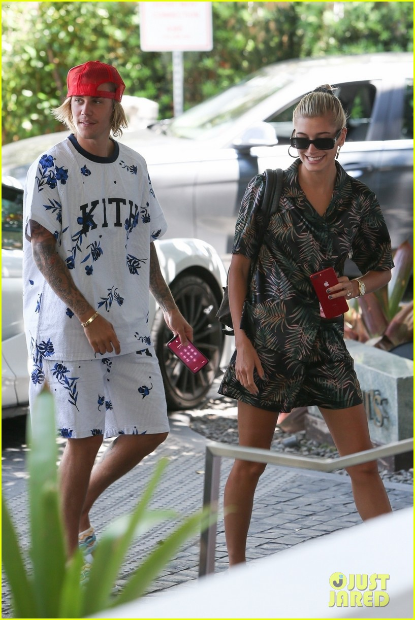 justin bieber shows off tattooed torso on vacation with hailey baldwin 014114485