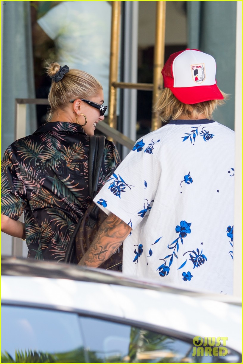 justin bieber shows off tattooed torso on vacation with hailey baldwin 174114501