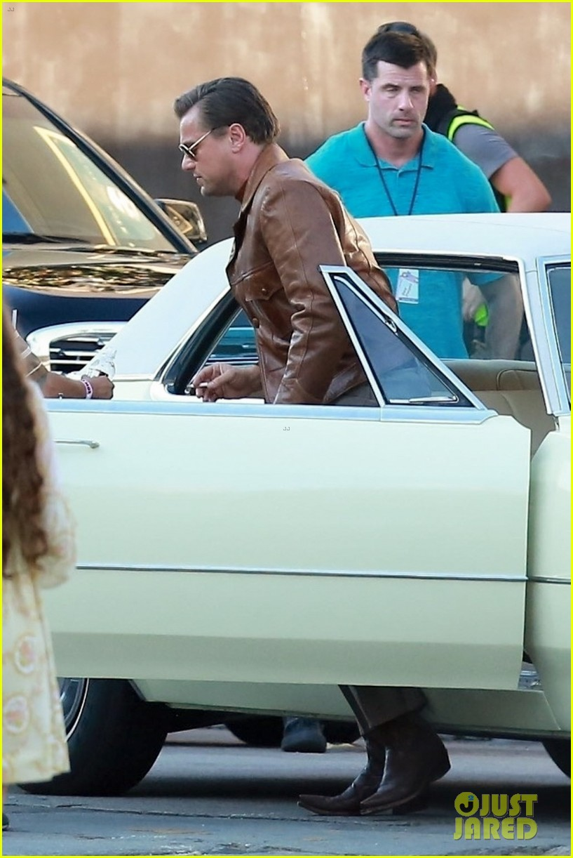 brad pitt leonardo dicaprio once upon a time in hollywood 024119454