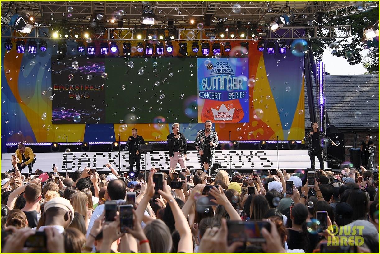 backstreet boys perform their hits on good morning america 154114224