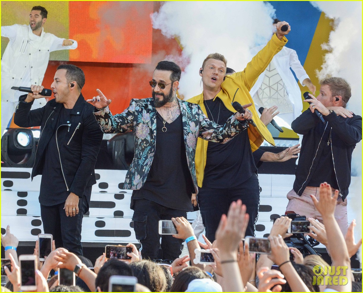 backstreet boys perform their hits on good morning america 174114226