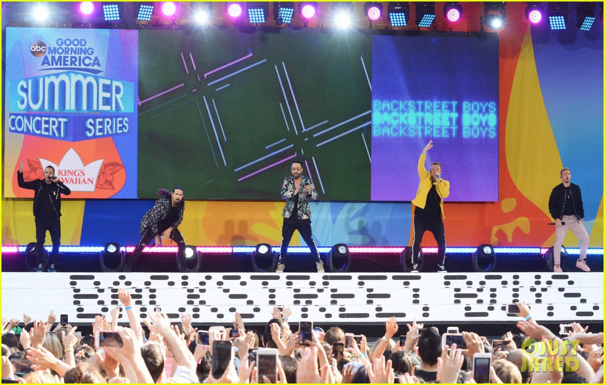 backstreet boys perform their hits on good morning america 224114231