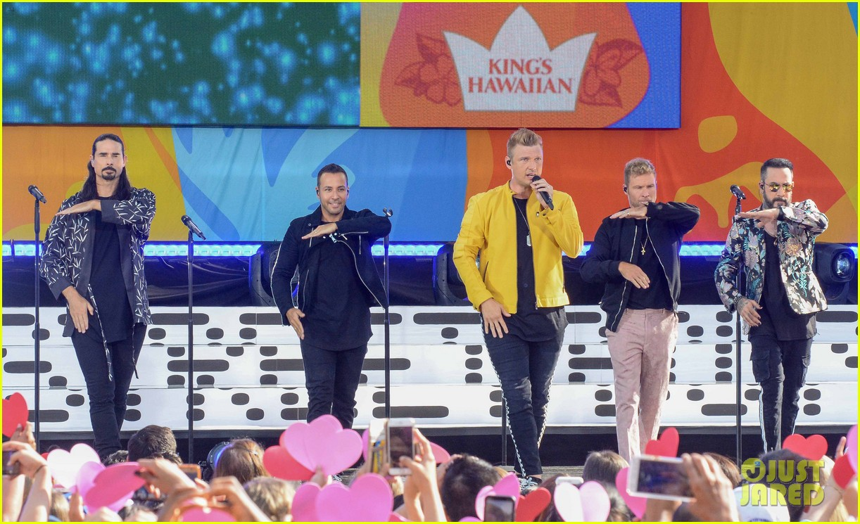 backstreet boys perform their hits on good morning america 254114234
