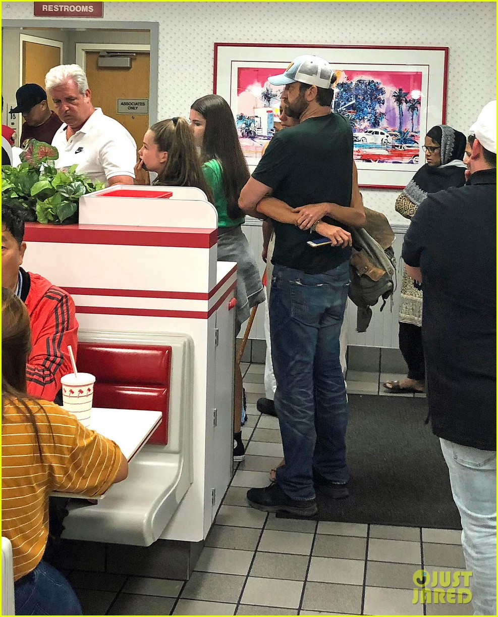 gerard butler morgan brown in n out 034110120