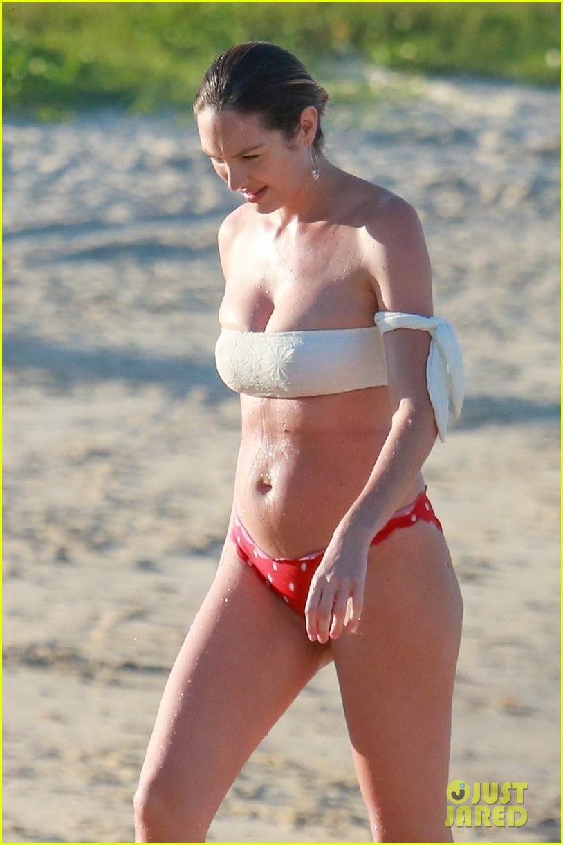 candice swanepoel 12 days postpartum bikini beach 074112955