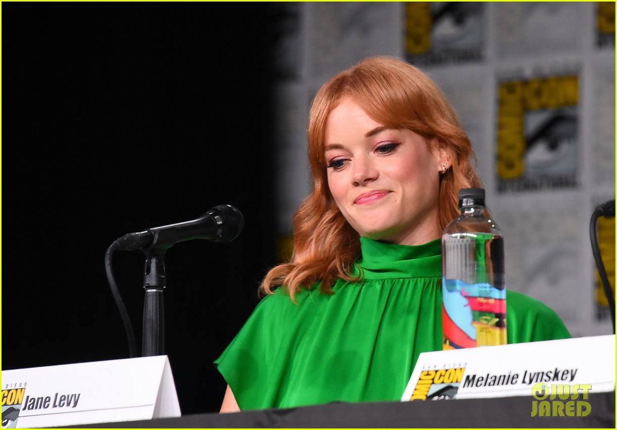 Bill Skarsgard Joins 'Castle Rock' Cast at Comic-Con!: Photo